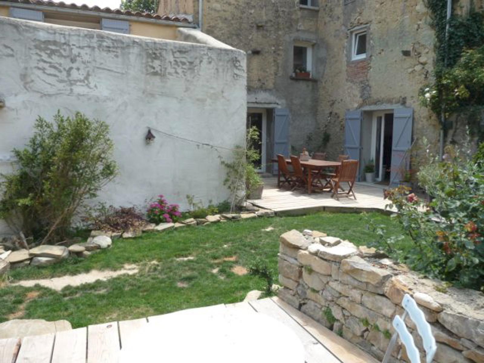Terrasse En Briques Anciennes Nos Biens A Vendre Exclusivite