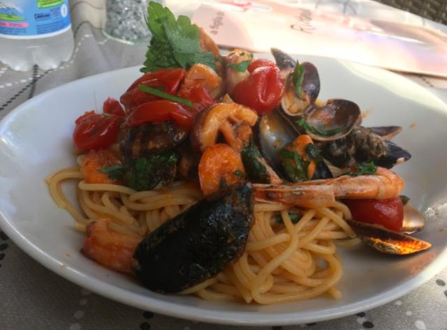 海の幸のスパゲティー(Spaghetti ai frutti di mare) (出典:著者撮影)