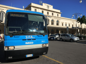サレルノ駅からアマルフィ海岸バス(SITA)の利用 (出典:著者撮影)