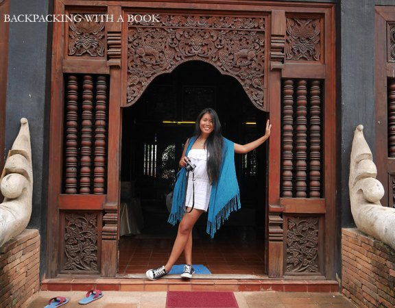 See the details of the door? So adorable!