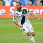 Landon Donovan comes out of retirement and re-joins LA Galaxy