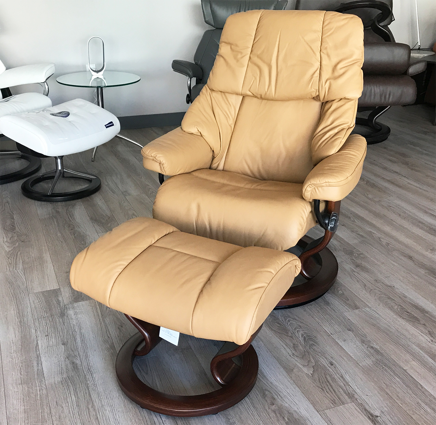 Stressless Video Stressless Reno Paloma Pearl Leather Recliner Chair And Ottoman By Ekornes