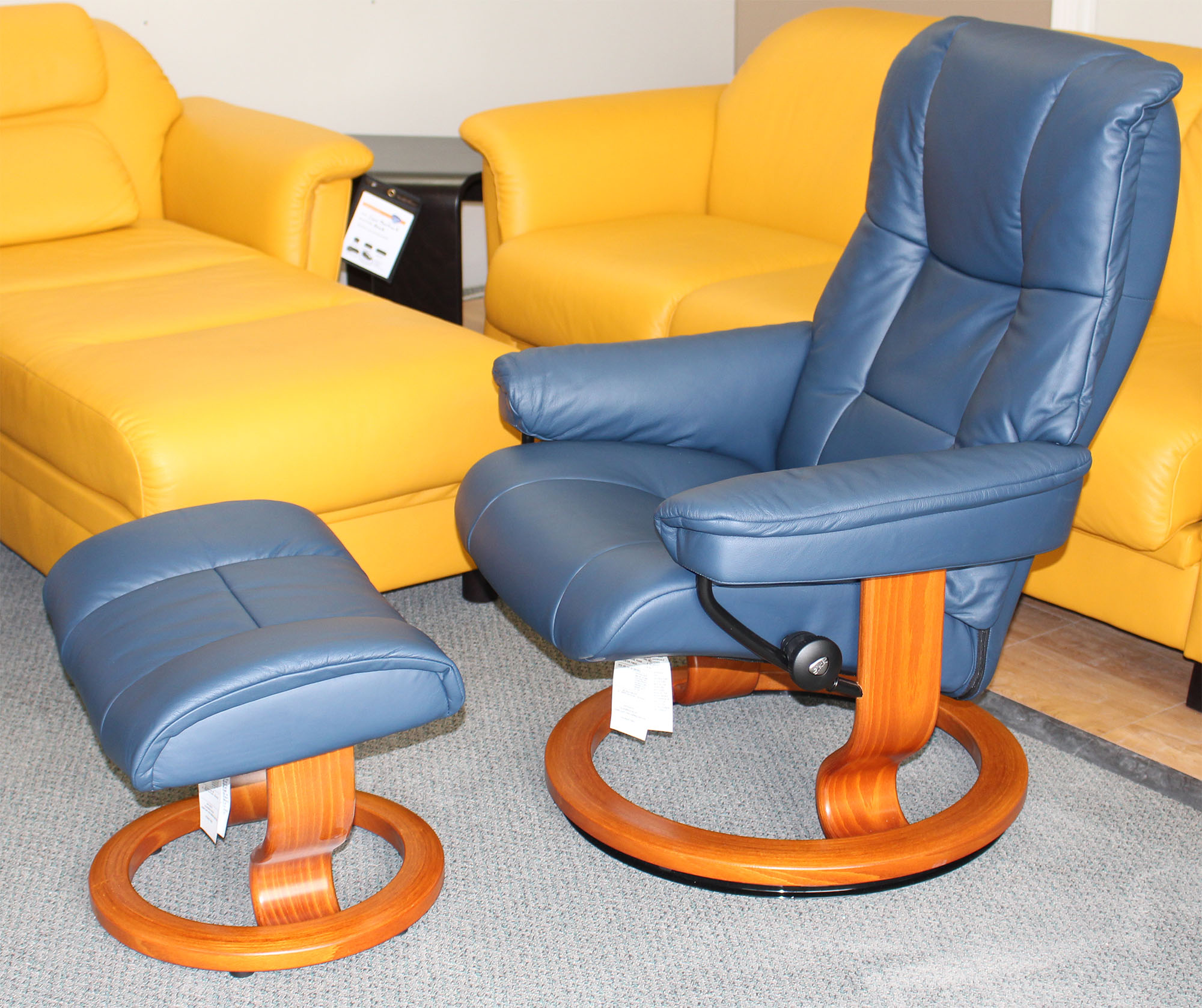 Leather Recliner Chair With Ottoman Stressless Kensington Large Mayfair Paloma Oxford Blue Leather Recliner Chair And Ottoman By Ekornes