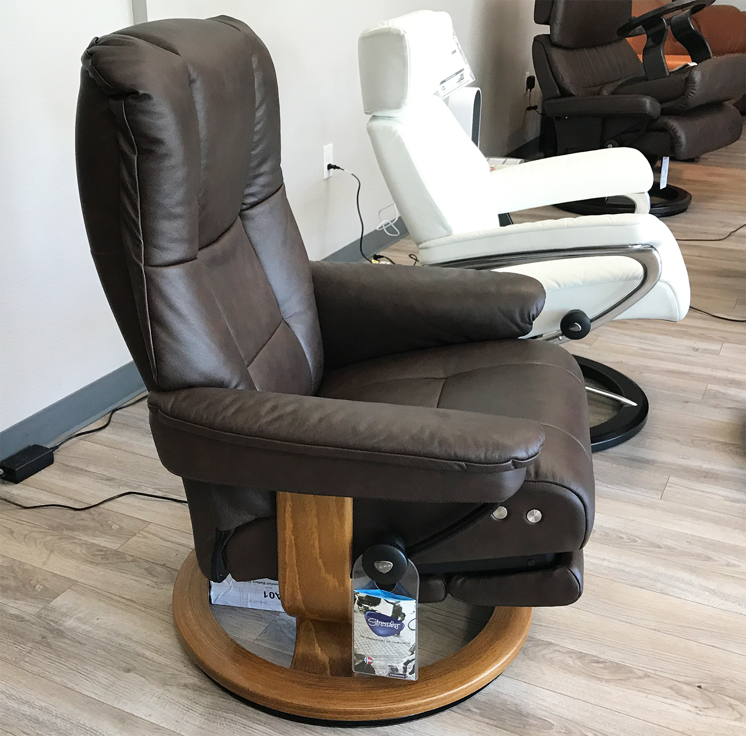 Stressless Paloma Stressless Mayfair Legcomfort Paloma Chocolate Leather Recliner Chair By Ekornes