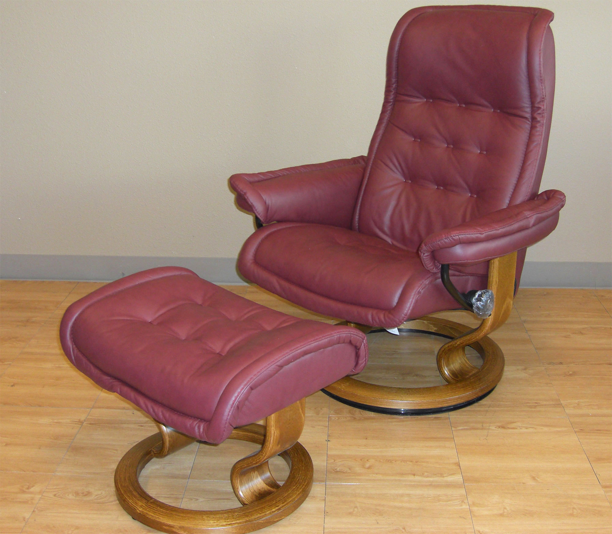 Stressless Video Stressless Royal Leather Recliner Chair And Ottoman