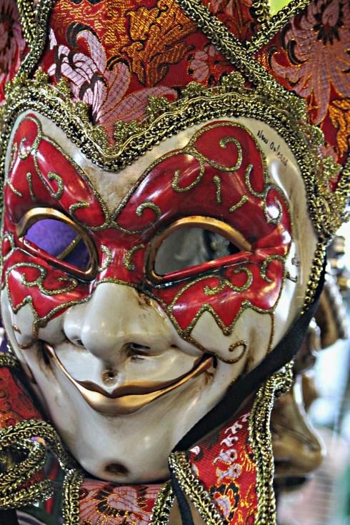 mask-178262_1280