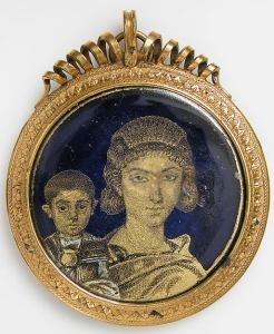 4th century, gold and glass medallion, Roman mother and child