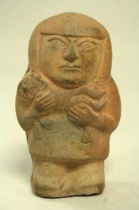 Moche Culture, 3rd century Peru, ceramic mother and child figure