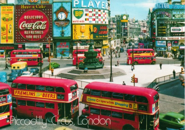 Vintage postcard, Picadilly Circus, London