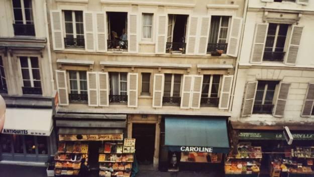 La Vie en Rose, Paris street scene
