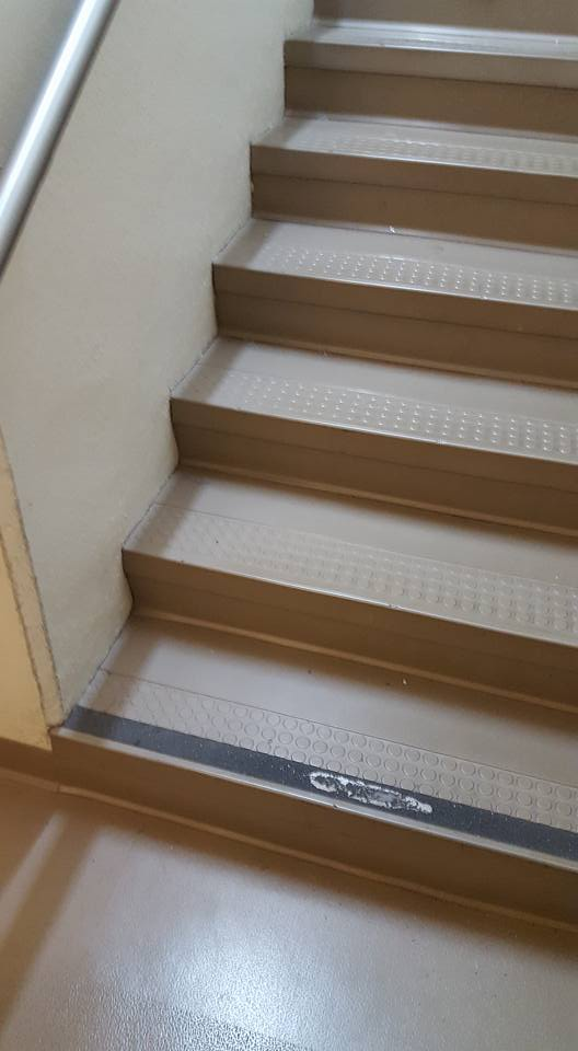It's OK to stair.