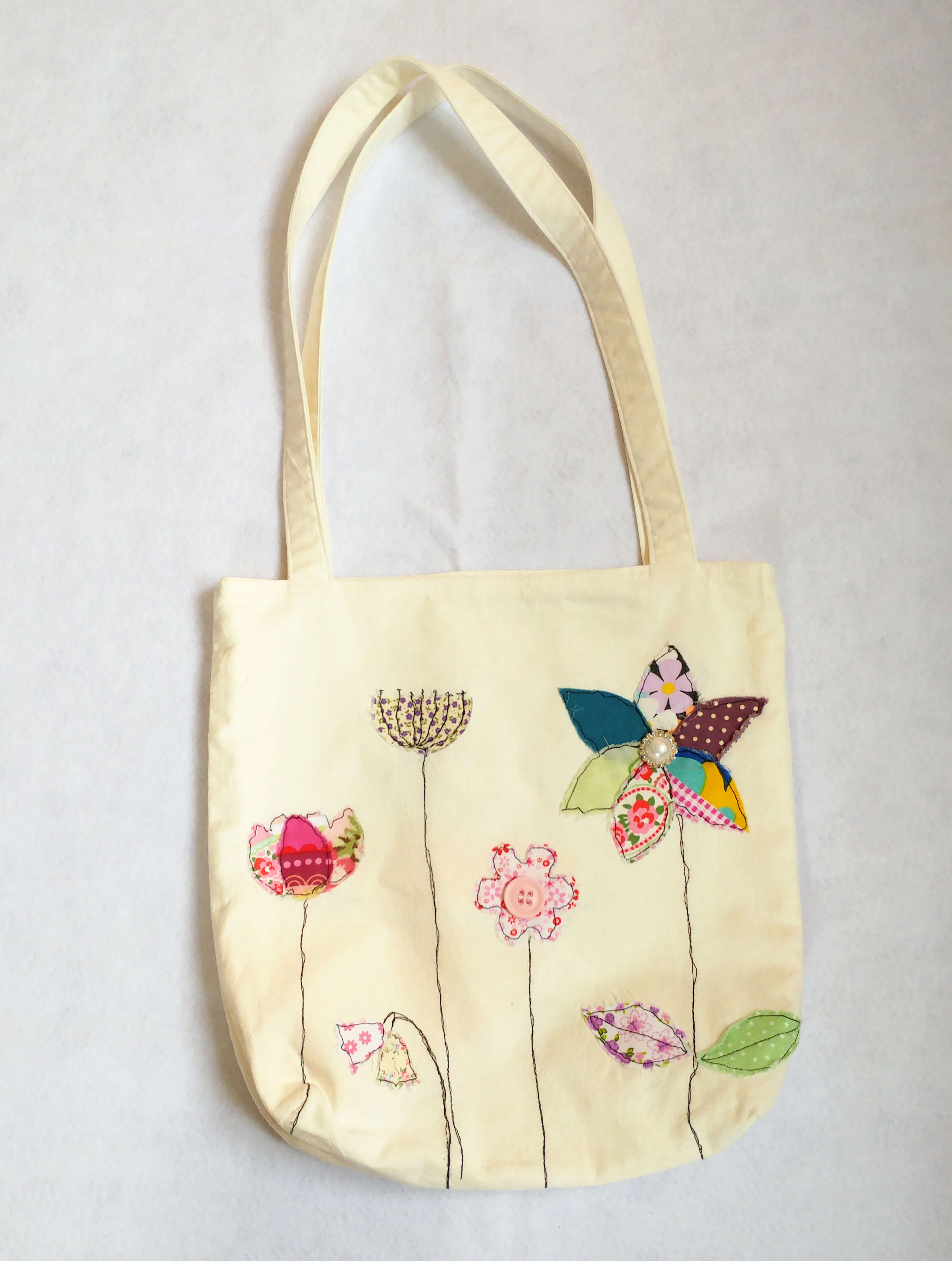 a4edcd3565 Busy Lizzi 39s Thinks You Should Design Your Own Tote Bag