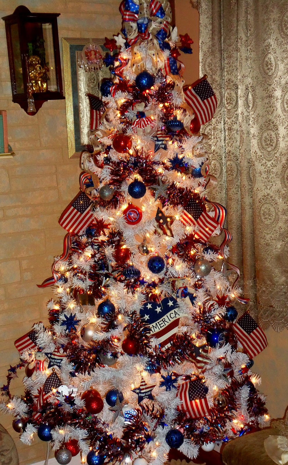 10 Unique Ways To Decorate Your Christmas Tree The Bajan