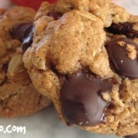 Jazzy Oatmeal-Chocolate Chip Cookies