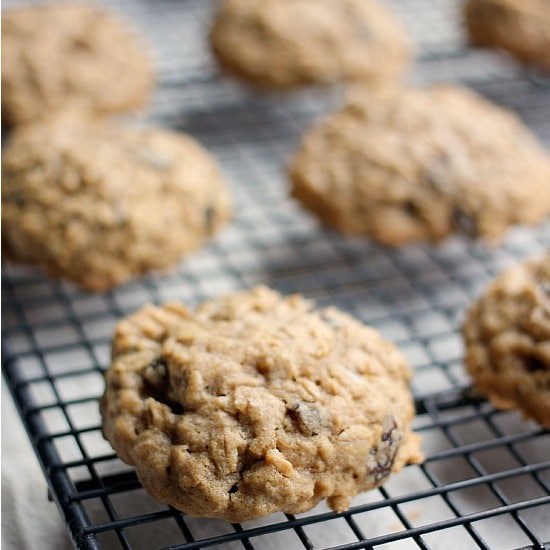 simple-oatmeal-raisin-cookies-feature