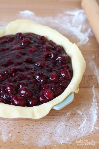 Cherry Cheesecake Pie | Bake to the roots