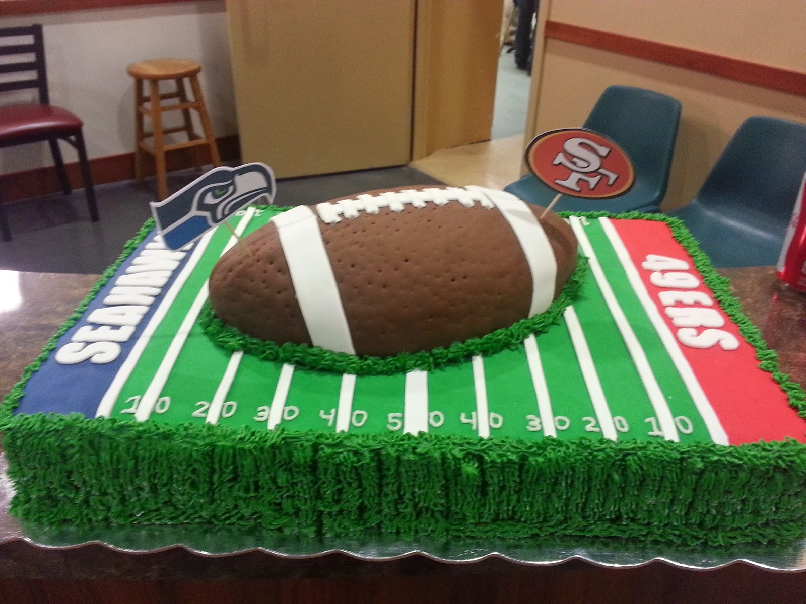 Football Kuchen Football Field Party Cake From The Weekend Project 3 Baking