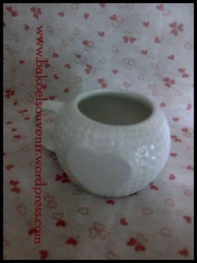 Souvenir Pernikahan Unik Ini Terbuat Dari Keramik Dengan Bentuknya