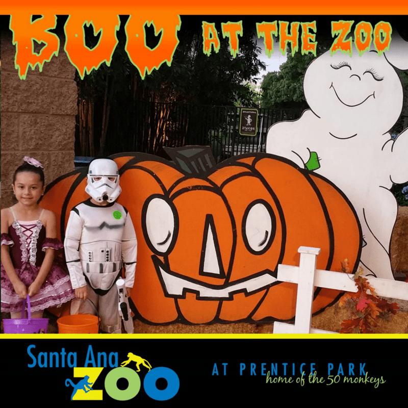 Boo at the Santa Ana Zoo + #Giveaway | @SantaAnaZoo #Halloween #NotSoScaryHalloween