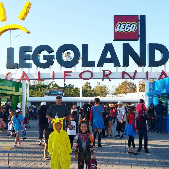 We made it! Time for a little brickortreat fun! legolandcaliforniahellip