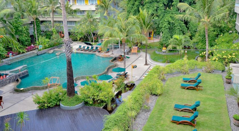 Harris Kuta Resort