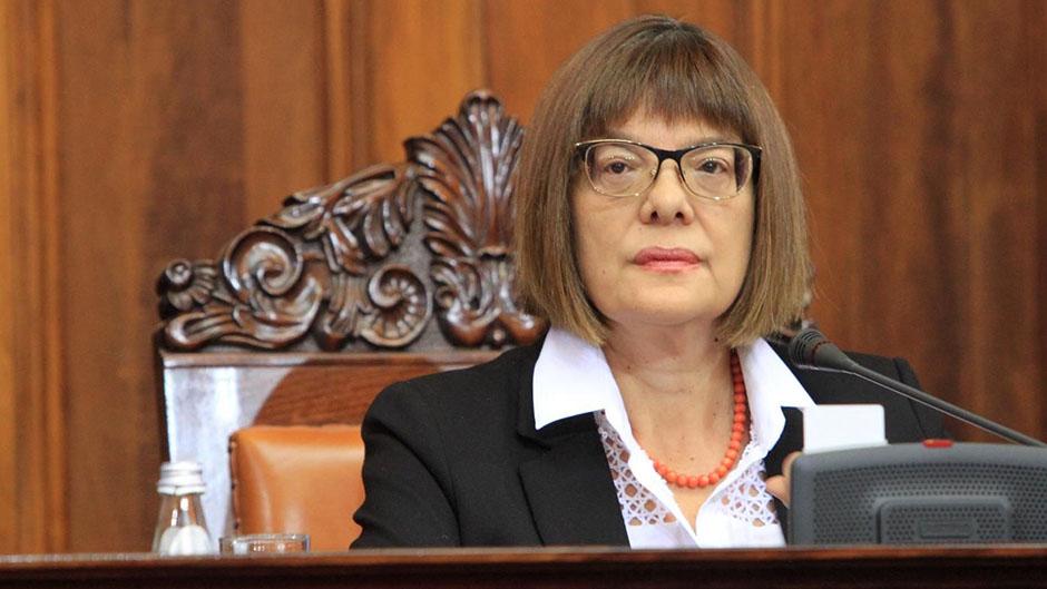 Poslanička pitanja u Skupštini Srbije: o kumovskim mućkama i drugim problemima