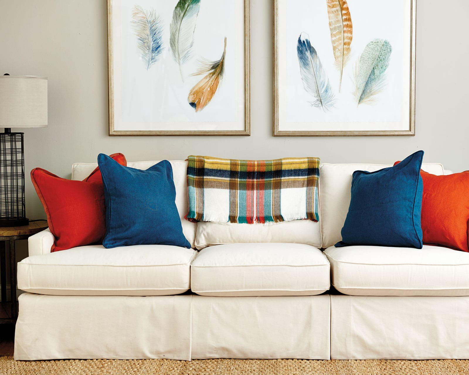 Brown Couch Pillow Ideas Guide To Choosing Throw Pillows How To Decorate
