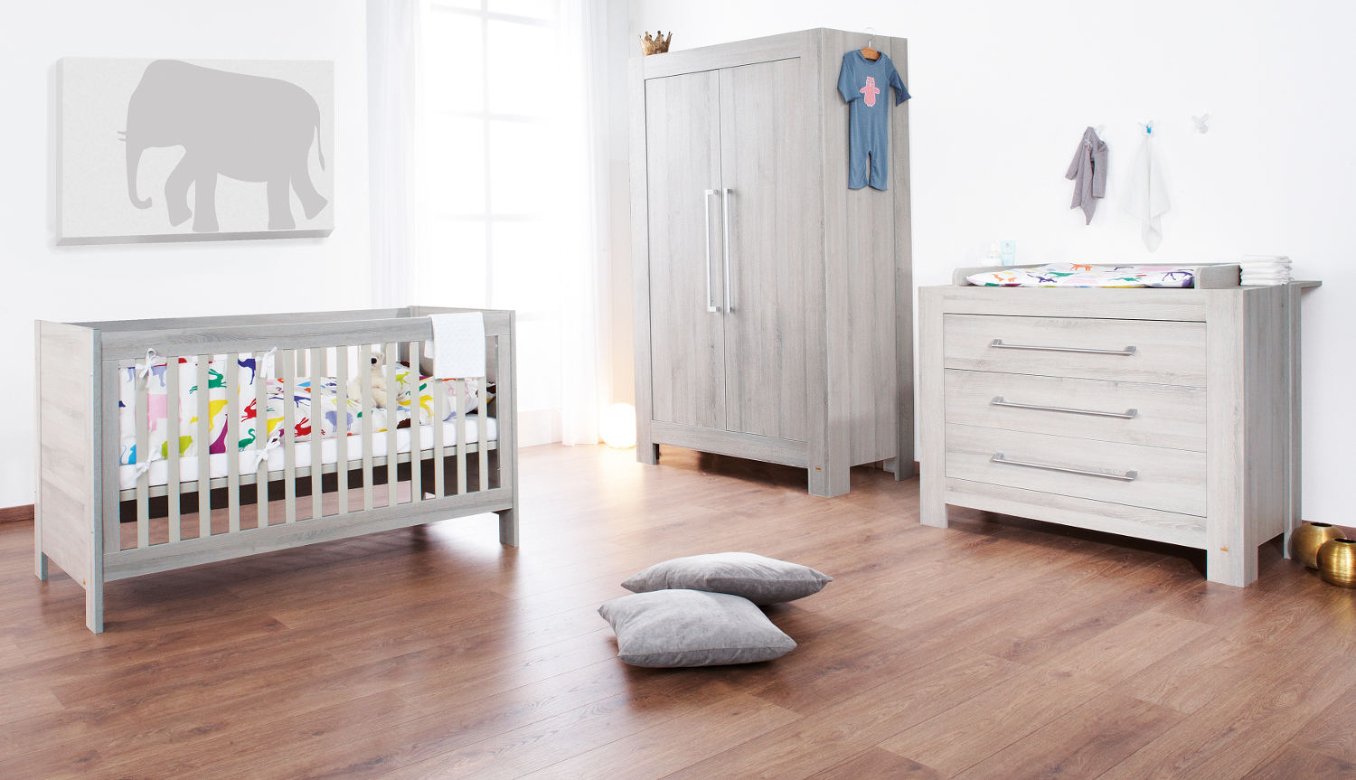 Chambre Gender Neutral White Nurseries Perfect For Both Genders Bamboola Baby