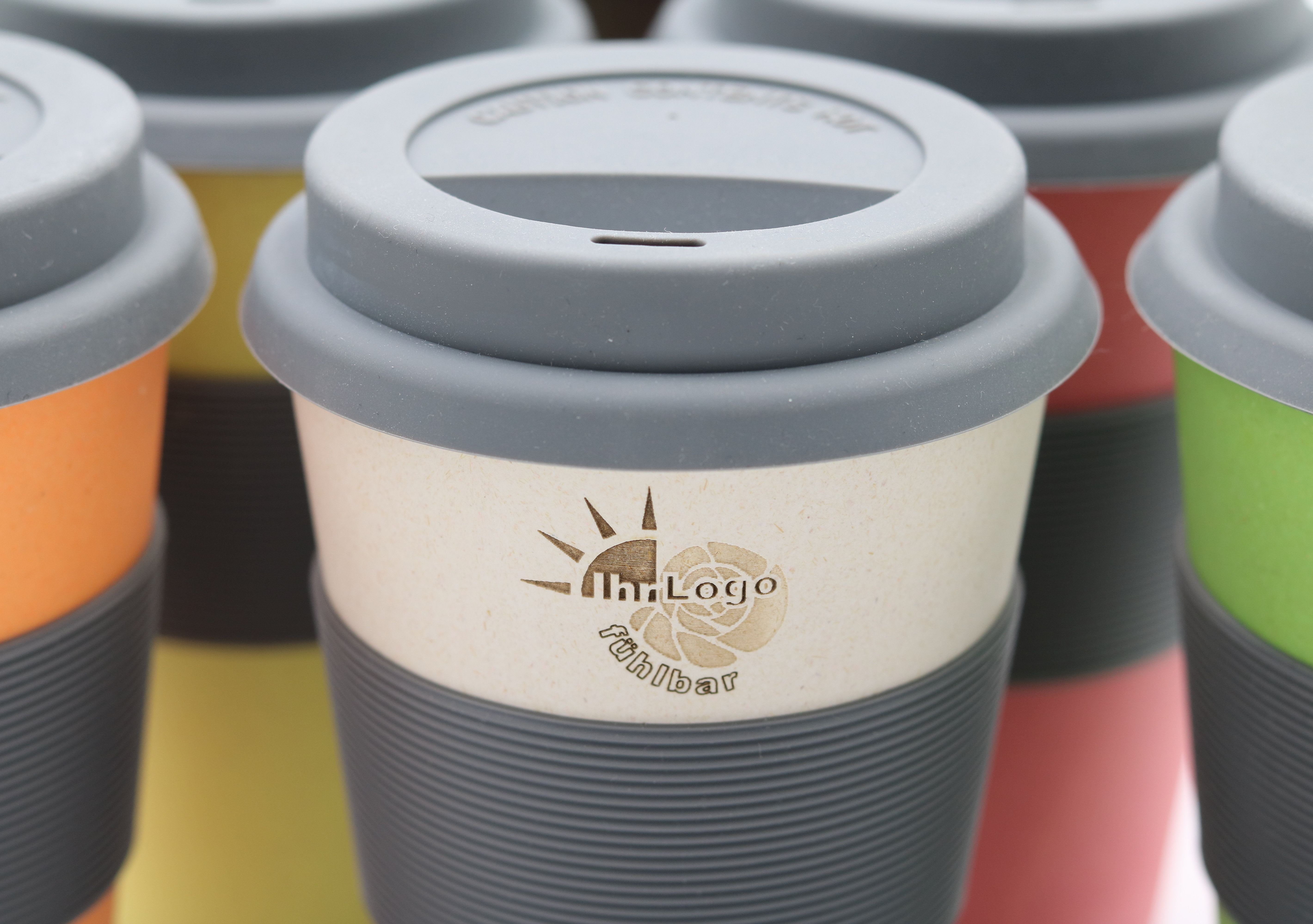 Bambus Becher Mit Namen Your Logo On A Coffee To Go Cup Bambus Geschirr