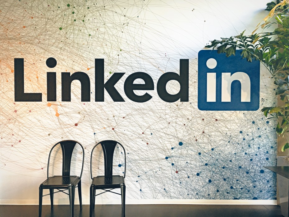 3 Ways to Growth Hack LinkedIn Engagement  Traffic BAMF Media