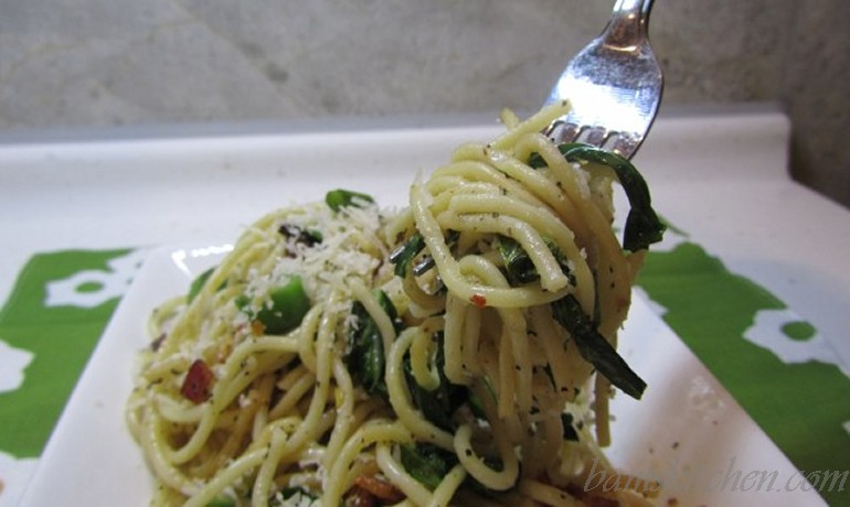 Pancetti linguine with gailan