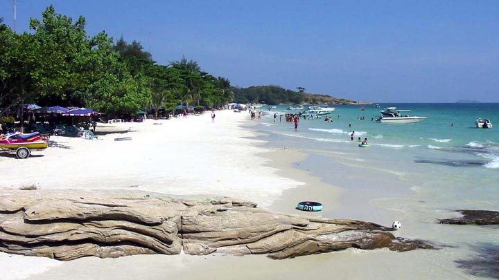 Koh Samet beach. Photo credit: as