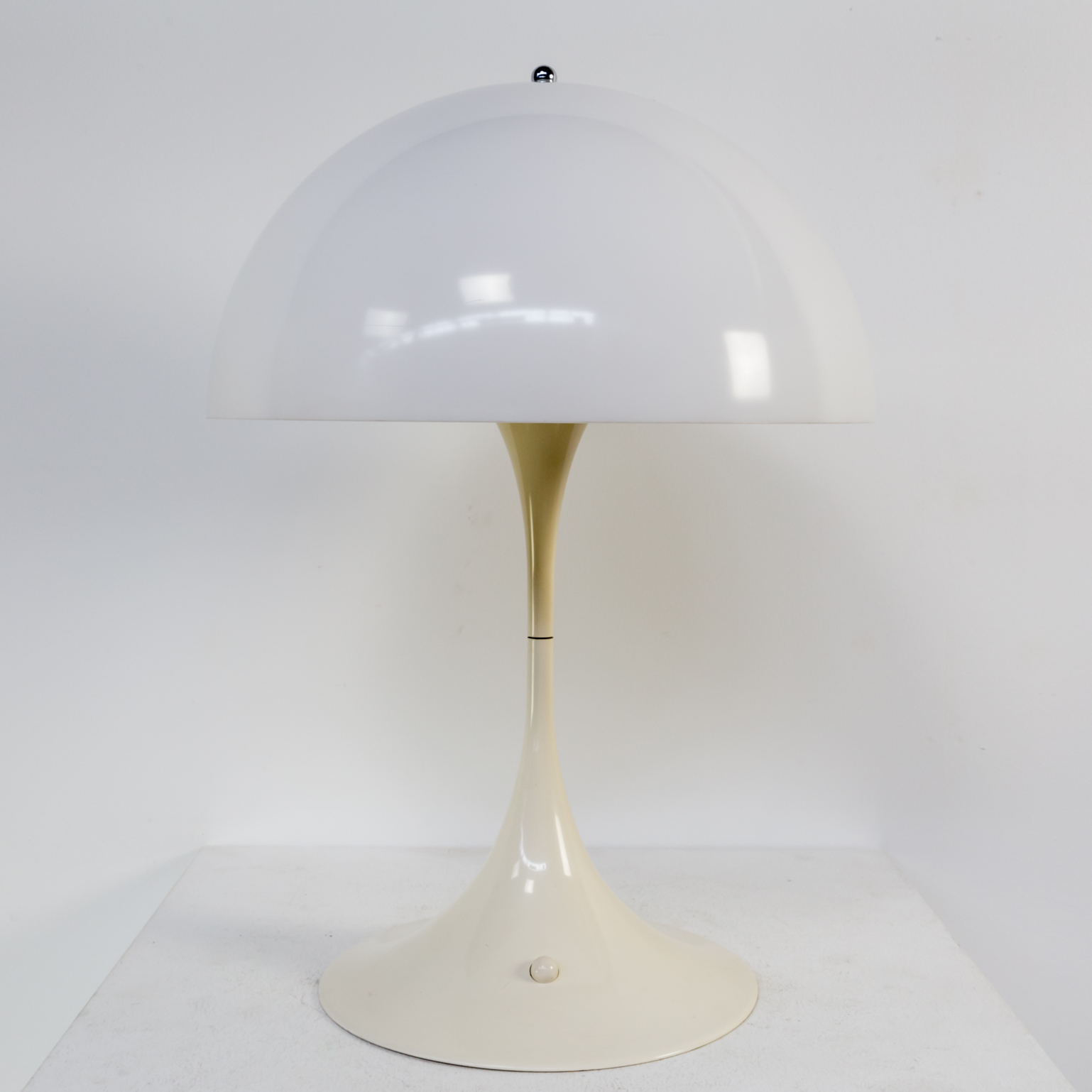 Tafellamp Niels 60 S Verner Panton Panthella Table Lamp Louis Poulsen