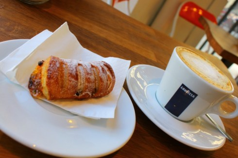 Spanish-cafe-con-leche-chocolate-pastry-Barcelona