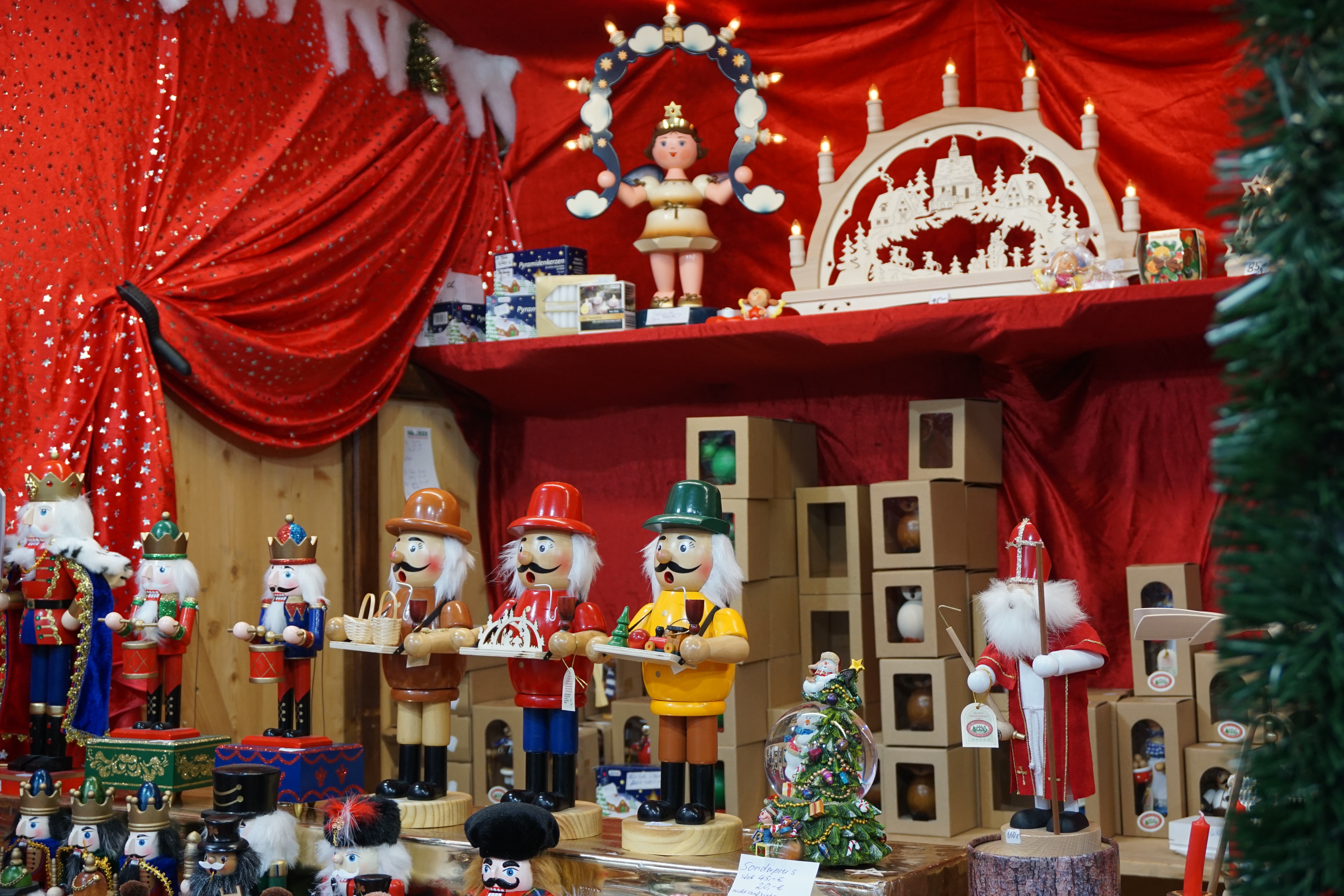 Around The World Decoration Ideas Christmas Break Ideas From Around The World Barehotelier