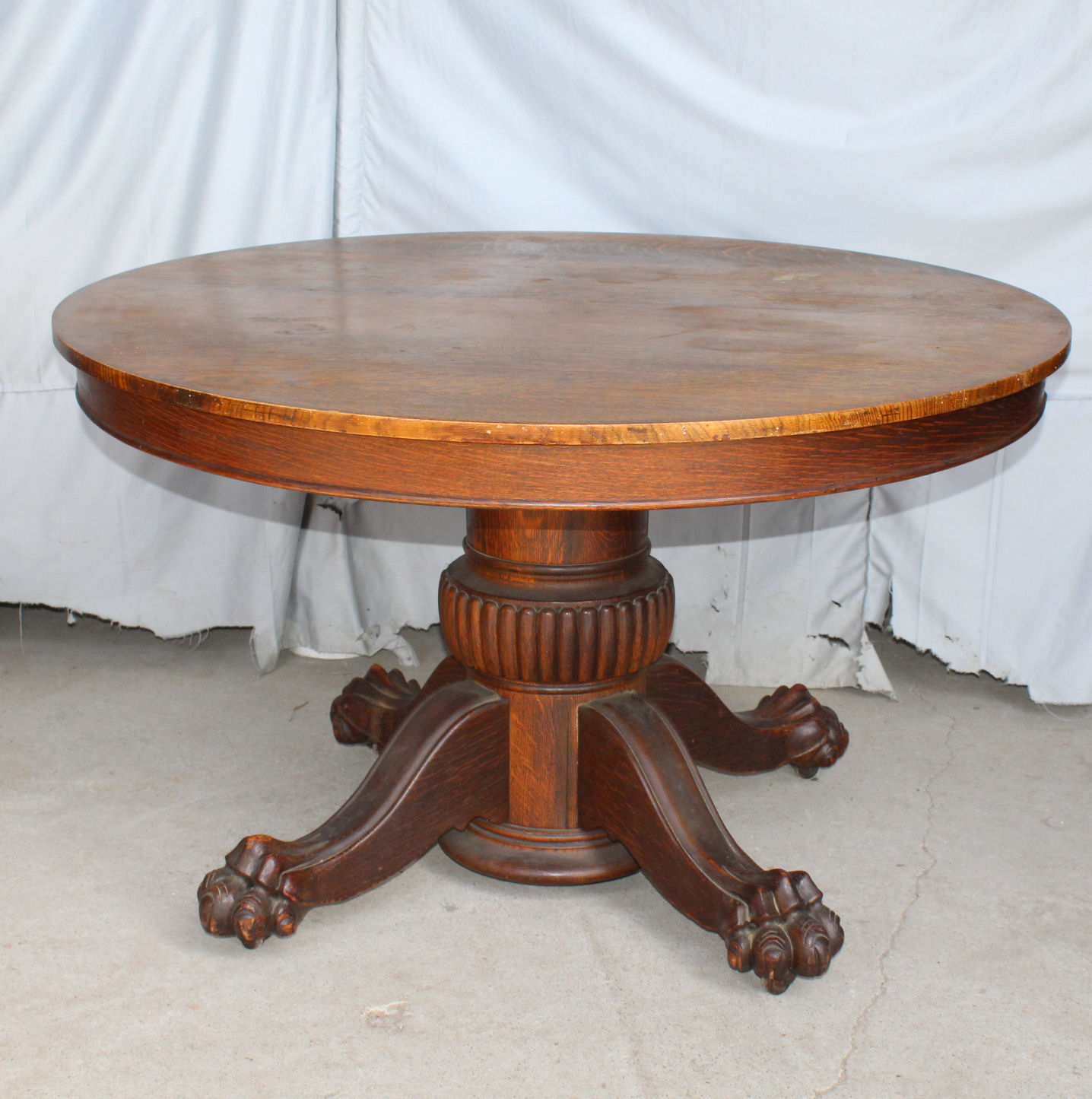 Round Oak Dining Table Antique Round Oak Dining Table Claw Feet