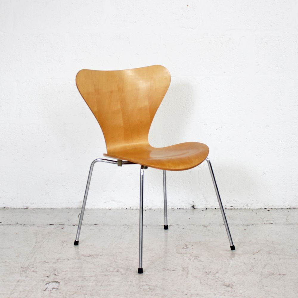 Designer Chairs Used Fritz Hansen Series 7 Beech
