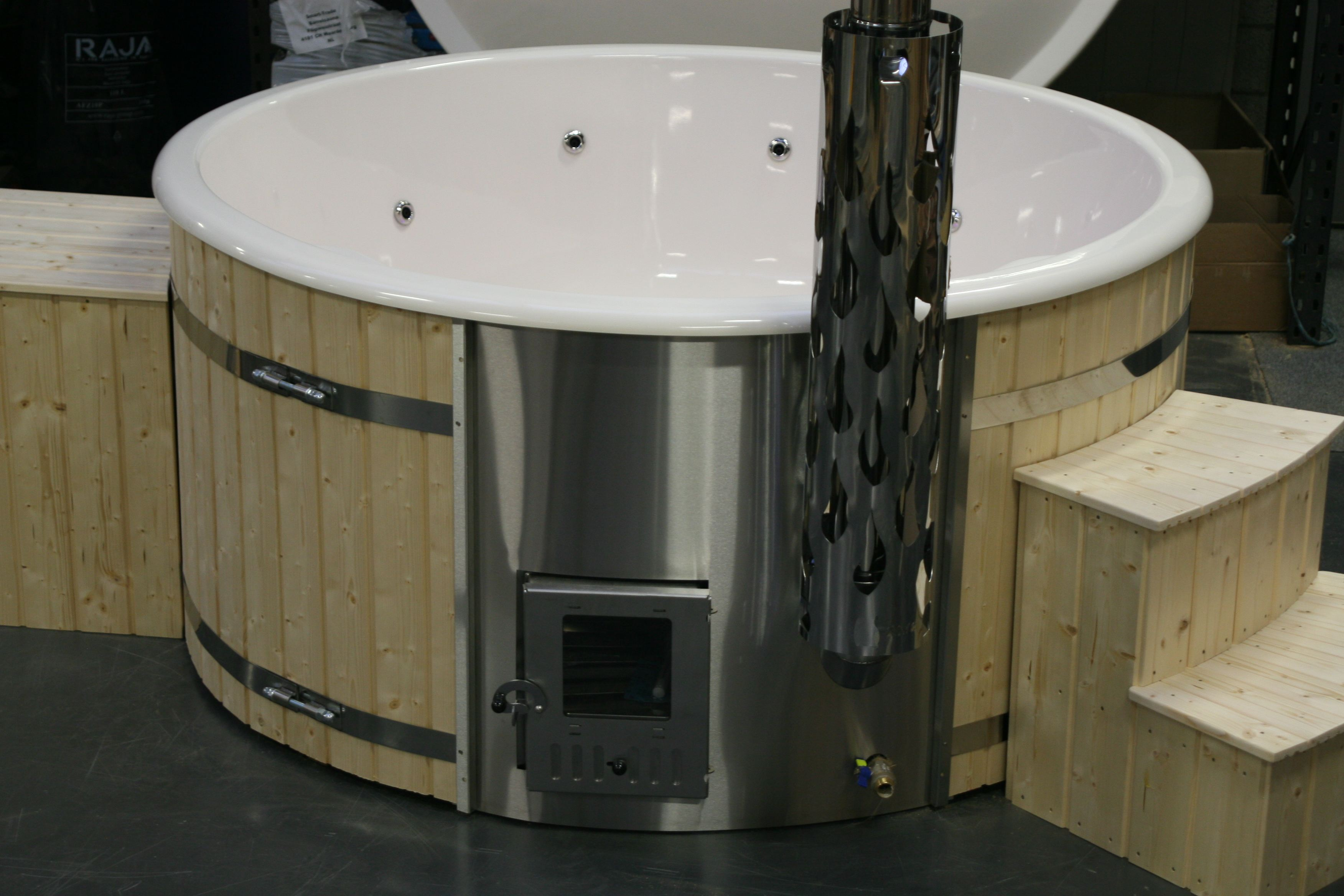 Hottub Led Verlichting Deluxe Hottub In Thermowood Met Houtkachel Lente Deal