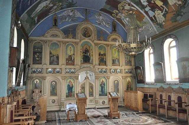 altarul-de-vara-al-parohiei-berindu