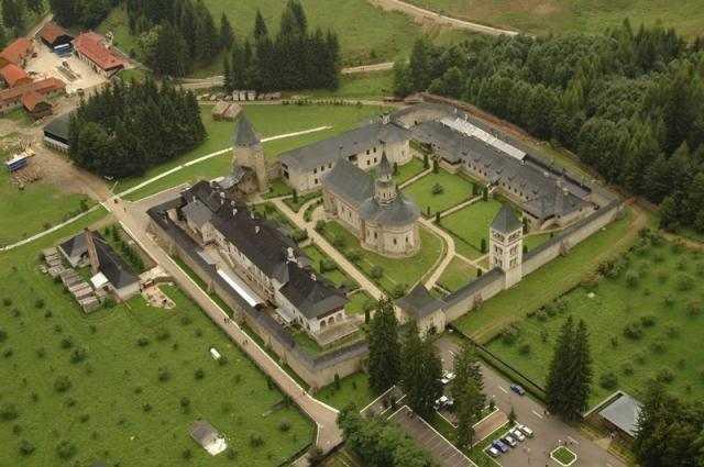 manastirea-putna-va-fi-restaurata-1