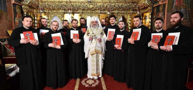 patriarhul-romaniei-a-hirotesit-intru-duhovnic