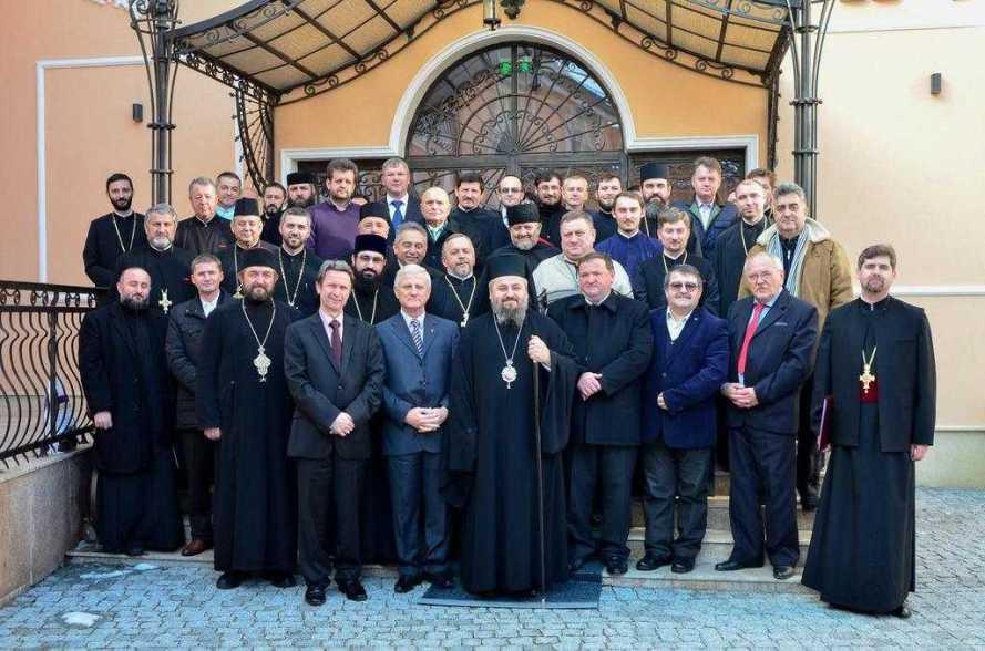 adunarea-eparhiala-a-episcopiei-devei-si