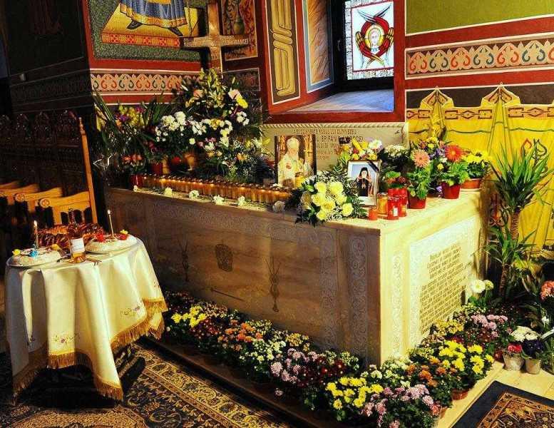 parastas-pentru-arhiepiscopul-epifanie-norocel