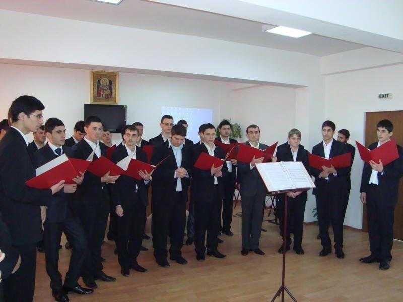 seminarul-teologic-din-craiova-si-a-praznuit