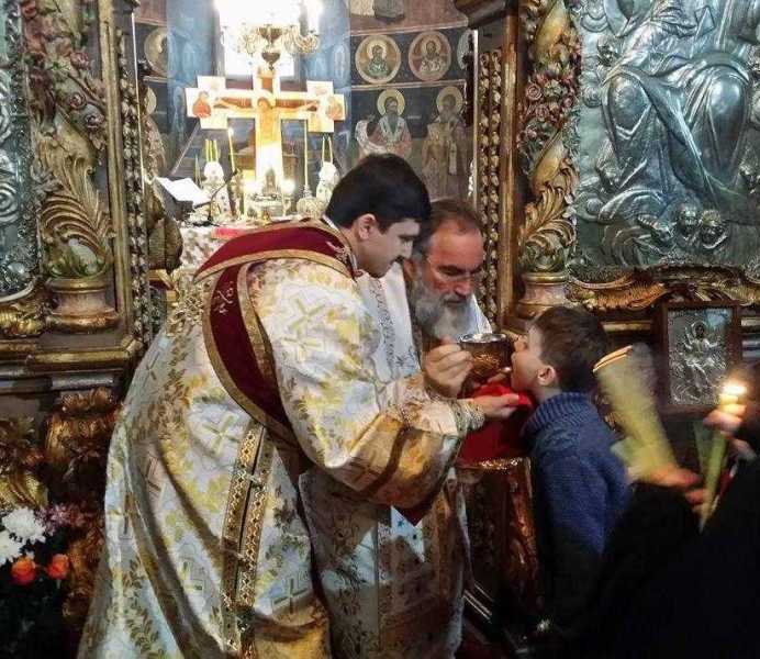 slujire-arhiereasca-la-catedrala-din-roman