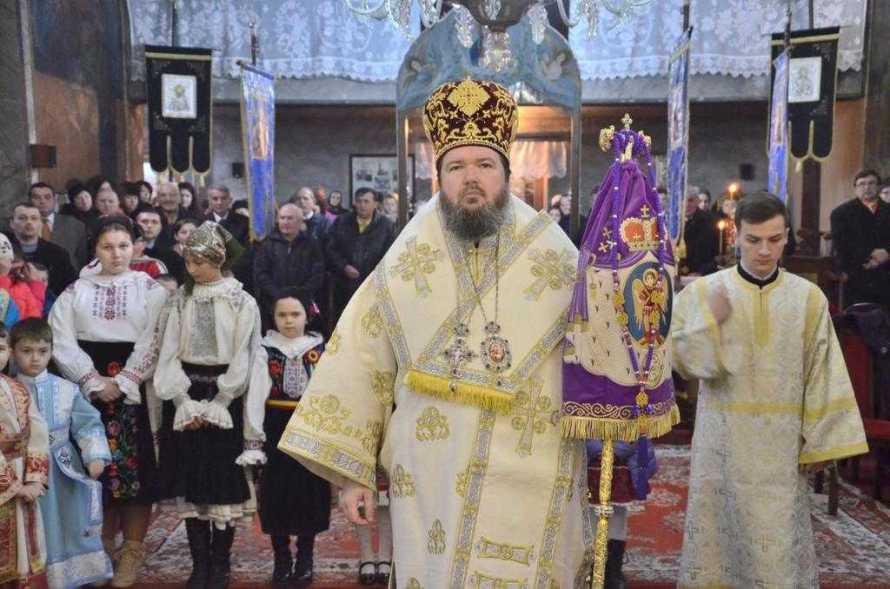 liturghie-arhiereasca-in-biserica-parohiala-din