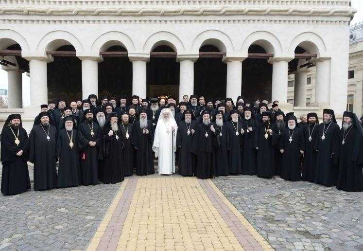 programul-slujirii-ierarhilor-bisericii-ortodoxe-romane-4