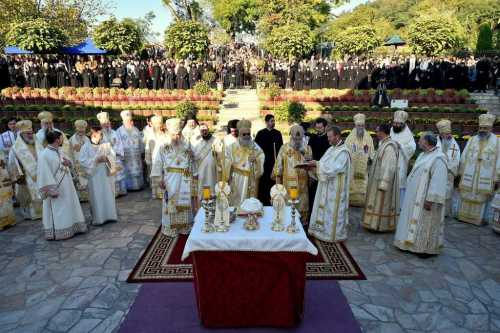 manifestari-religioase-in-arhiepiscopia-ramnicului-trei-biserici-ortodoxe-reprezentate-la-evenimente