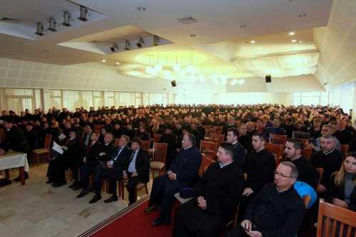 conferinta-pastorala-de-toamna-in-arhiepiscopia-argesului-si-muscelului-lucrarile-au-fost-prezidate-de-ips-calinic