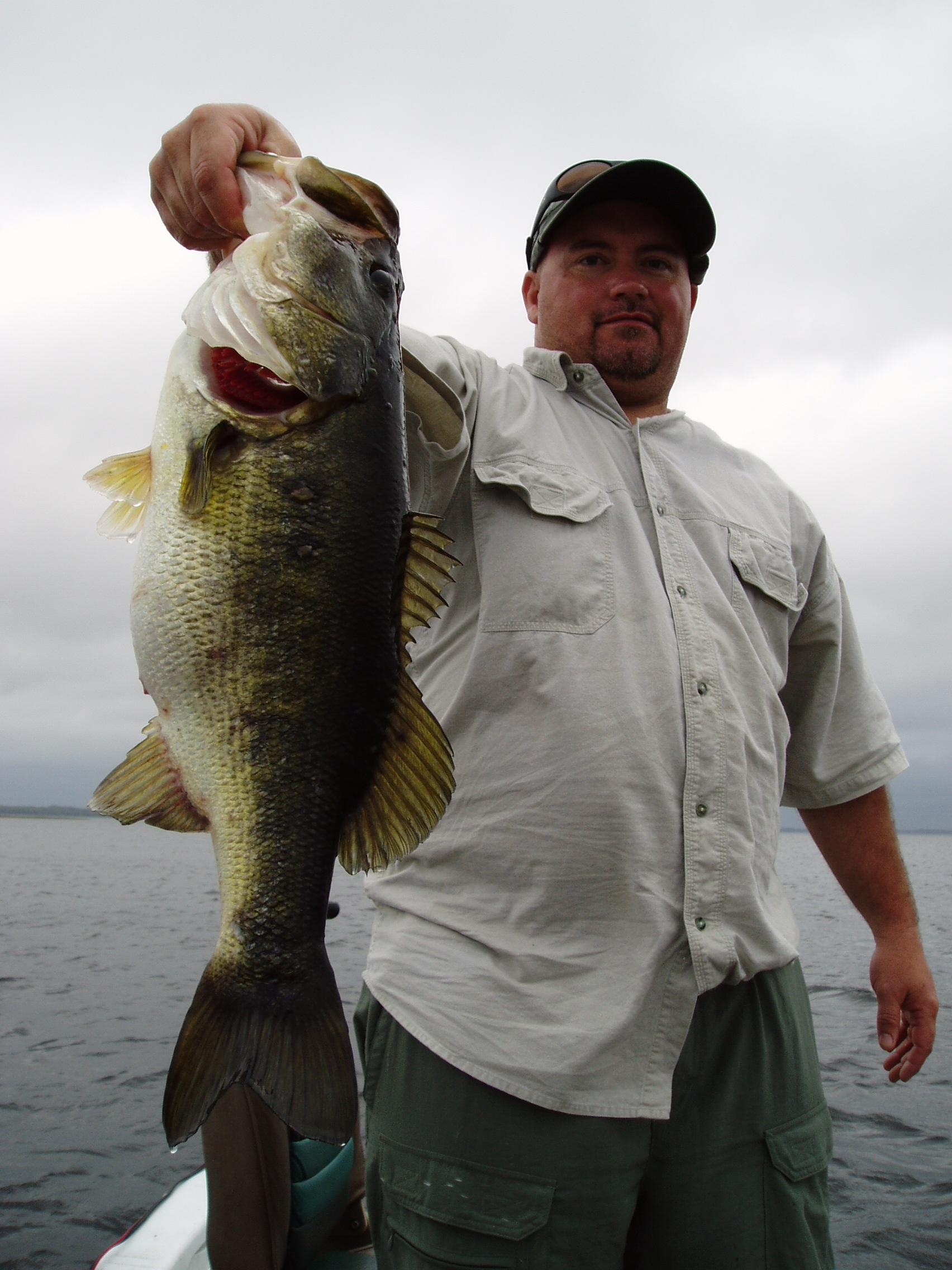 Lake istokpoga central florida bass fishing for Florida lake fish